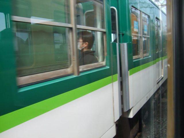 普通電車に抜かされる3000系