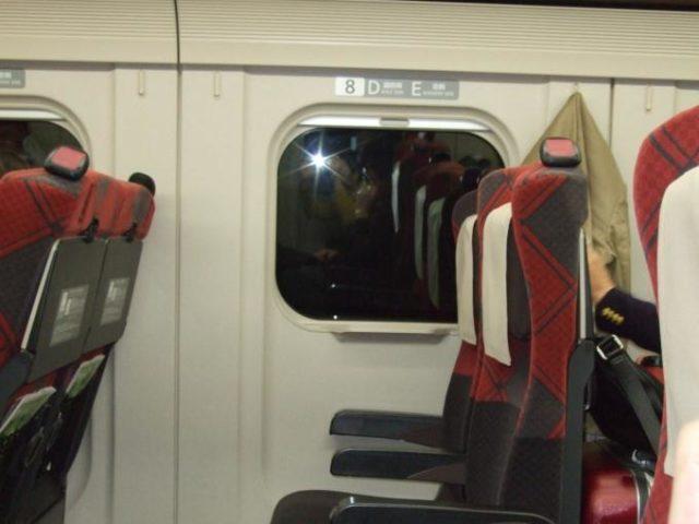 北陸新幹線車内座席2